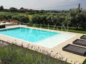 piscina in piscina in collina di italian pool srl