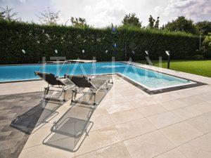 piscina in giardino di città di italian pool srl