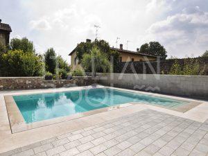 piscina in città di italian pool srl